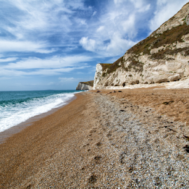 Dorset (UK) by Gianluca Presto - Landscapes Beaches ( sky, waves, nature, united kingdom, dorset, sea, sand, cloudy, waterscape, beach, sandy, quiet, nobody, landscape )