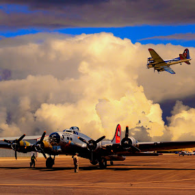 B-17 WWII FLYING FORTRESS BOMBER by Gerry Slabaugh - Transportation Airplanes ( b17, wwii, b, b17 bomber, flying fortress, bomber, b-17 b )