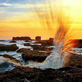 Sun and Wave by Agoes Antara - Landscapes Waterscapes