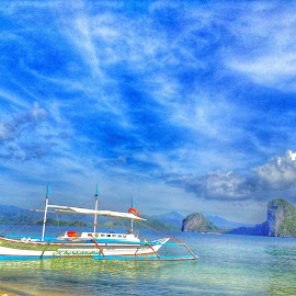 El Nido is love by Joan Christine Benedictos - Landscapes Travel ( travelph, tourismph, travel, beach, elnido, paradise, philippines, palawan, island, itsmorefuninthephilippines, wanderlust )