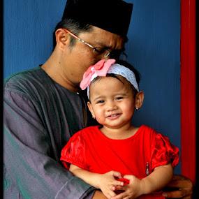 sayang anak by Daenk Andi - People Family ( keluarga, model, warna, balita, indonesia, potret lelaki, lelaki, perempuan, anak anak, kasih sayang, wanita, mode )
