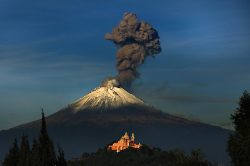 Big smoker by Cristobal Garciaferro Rubio - Landscapes Mountains & Hills ( volcano, snow, popcoatepetl, snowy volcano, smoking volcano, smoke )
