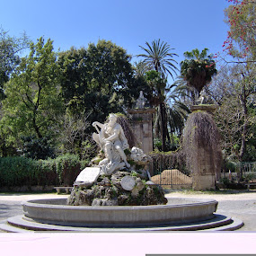 sunny park by Jarno Liimatainen - Buildings & Architecture Statues & Monuments ( statue, park, monument, palermo, italy )