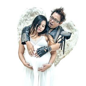 by Harris Daniel - People Maternity