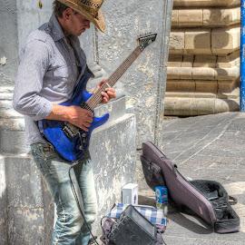 Guitarist street by Maurizio Santonocito - People Street & Candids
