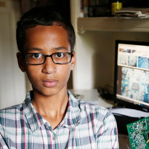Obama Invites Fellow Muslim to Bring Clock to Whitehouse