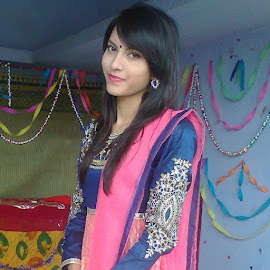 :) by Swayta Goswami - People Fashion ( beautiful eyes...indian beauty )