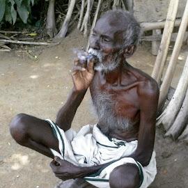 Poor with drugs by Pandiraj Tamil - People Street & Candids ( smoking, poor )