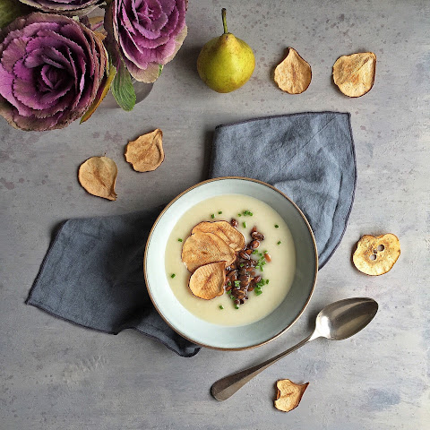 Celeriac & Pear Soup with Roasted Pumpkin seeds, Pear chips and Chives