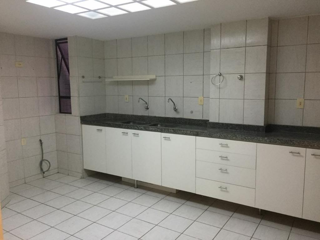 Cobertura com 3 dormitórios à venda, 170 m² por R$ 700.000 - Cabo Branco - João Pessoa/PB