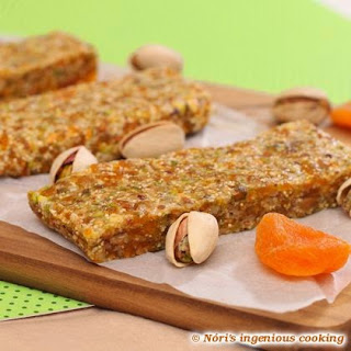 Pistachos & Apricot Home-made Energy Bars (added Sugar-, And Gluten-free)