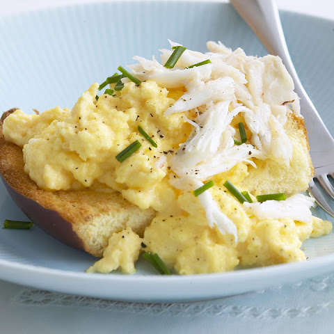 Scrambled Eggs on Brioche with Crabmeat