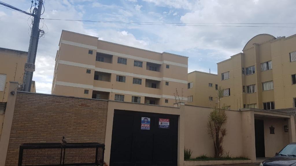 Apartamento com 2 dormitórios para alugar, 93 m² por R$ 1.500/mês - Universitário - Uberaba/MG
