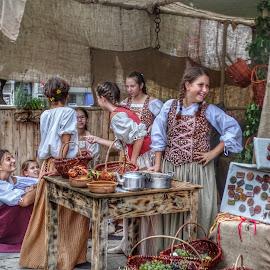 Bambine in una festa tradizionale by Patrizia Emiliani - Babies & Children Children Candids ( bambine, hdr, tradizionale, festa )