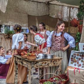 Bambine in una festa tradizionale by Patrizia Emiliani - Babies & Children Children Candids ( bambine, hdr, tradizionale, festa,  )