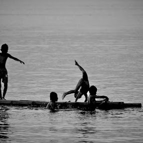 Ballet on the water by Hendra Prasetyo - Babies & Children Children Candids ( playing, village, indonesia, children, sea, ujungkulon, swimming )