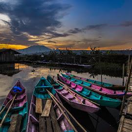 Colorfull Sunset by Franciscus Satriya Wicaksana - Landscapes Sunsets & Sunrises ( clouds, colorful, sunset, boats, landscape )