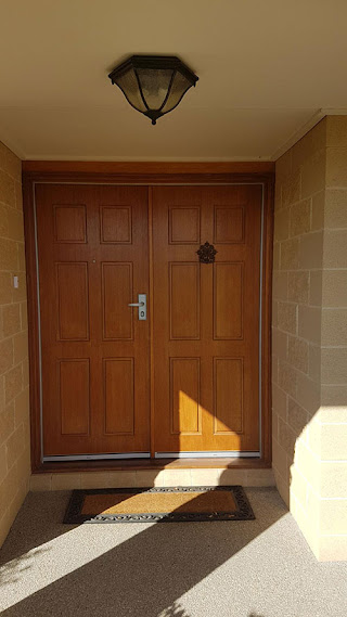 Wallan_Security_Doors_privacy_mesh_with_red_cedar_frame_Before