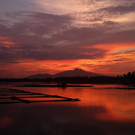 Sunset @ Sampaloc Lake by Oliver Co - Instagram & Mobile Android ( nature, sunsets, sunset, sundown, seascape, landscapes, philippines, sun,  )