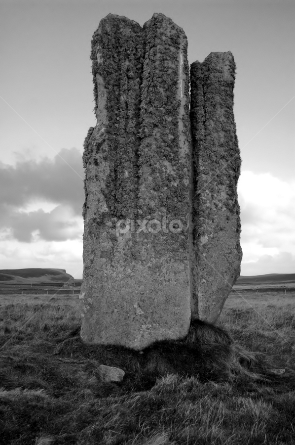 Eday, Orkney, the seeter stone by Hayley Warriner - Buildings & Architecture Statues & Monuments ( archaeology, eday, orkney, setter stone, iron age, stone, monument, standing, large, historic )