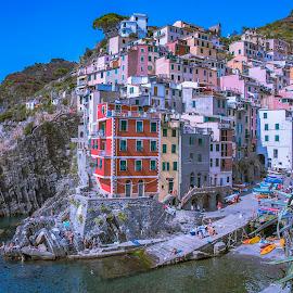 Riomaggiore by Arif Sarıyıldız - City,  Street & Park  Vistas ( travel photography, riomaggiore, colourful, cinque terre, italy )