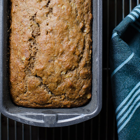 Sugar-free Banana Bread With Spelt Flour and Walnuts