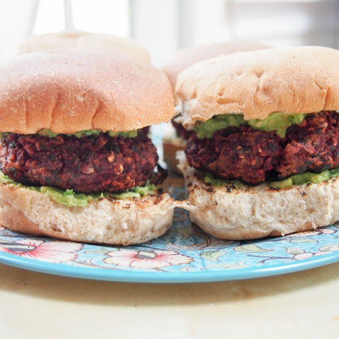 Beet and black bean burger (V, GF)