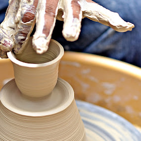Clay pottery by Hussin Mohd Nor - Artistic Objects Other Objects ( clay pottery )