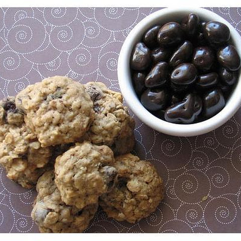Chewy Oatmeal Cookies With Dark Chocolate Covered Cranberries