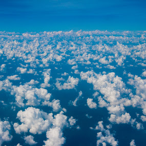 Cloud above by Vorravut Thanareukchai - Landscapes Cloud Formations ( blue sky, sky, white, cloud, repeat, formation )