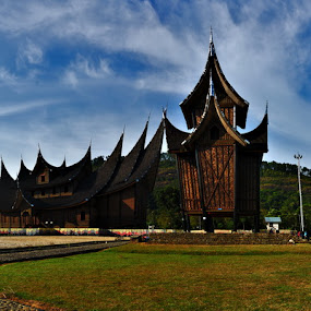 Istana Pagaruyung by Taufiqurrahman Setiawan - Landscapes Travel