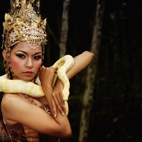 Snake Queen  by Yanuar Nurdiyanto - People Fine Art ( snake, model, fashion, indonesia, action, nikon, photography, gary fong, self portrait, selfie )