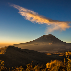 Sunrise in the mountain by Cristobal Garciaferro Rubio - Landscapes Mountains & Hills ( volcano, rise, mountian, smoking volcano, sun )