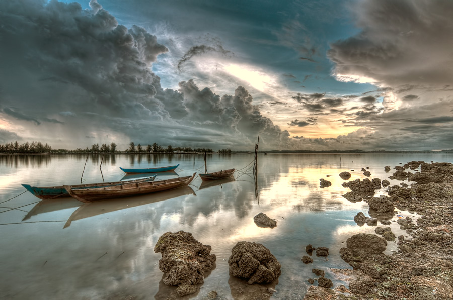 Waiting by Arief Wardhana - Transportation Boats