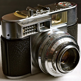 Lovely Voigtländer Vitomatic IIa by Serge Ostrogradsky - Artistic Objects Antiques