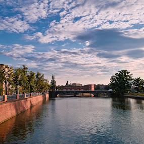 Odra River - Wroclaw, POLAND by Krzysiek Roznowski - City,  Street & Park  Neighborhoods ( odra, wroclaw, poland, river )