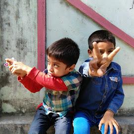 V by Suman Malakar - Babies & Children Child Portraits