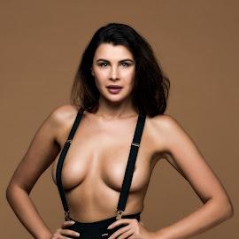 by Riaan Www.rampix.co.uk - Nudes & Boudoir Boudoir ( studio, model, olga kaminska, rampix photography, rampix )
