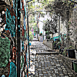 HDR Gasse by Marianne Fischer - Instagram & Mobile iPhone