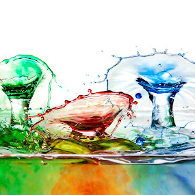Triple Double-Drop, Single shot by Steve Kazemir - Abstract Water Drops & Splashes ( colour, water, macro, red, blue, double drop, green, triple, drops )