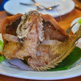 Gurame Goreng #2 by Asridjaja Apolita - Food & Drink Plated Food