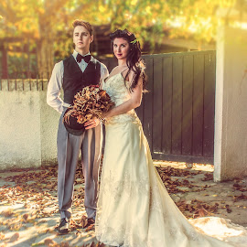 Retro Wedding by Kine Akasi - Wedding Bride & Groom