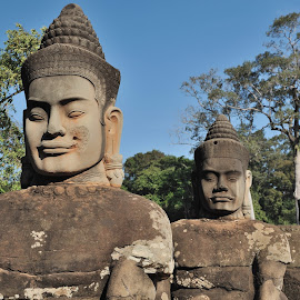Angkor Wat by Tomasz Budziak - Buildings & Architecture Statues & Monuments ( statues, asia, architecture, angkor wat, cambodia )