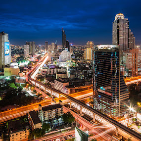 X-Cross @ Thailand by Vorravut Thanareukchai - Buildings & Architecture Office Buildings & Hotels ( bangkok, twilight, thailand, night time, cityscape, x-cross )
