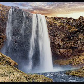 by Stephen Hooton - Uncategorized All Uncategorized ( iceland, waterfalls, places,  )