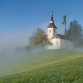 Ffggy day by Stane Gortnar - Buildings & Architecture Public & Historical ( foggy, church, morning )