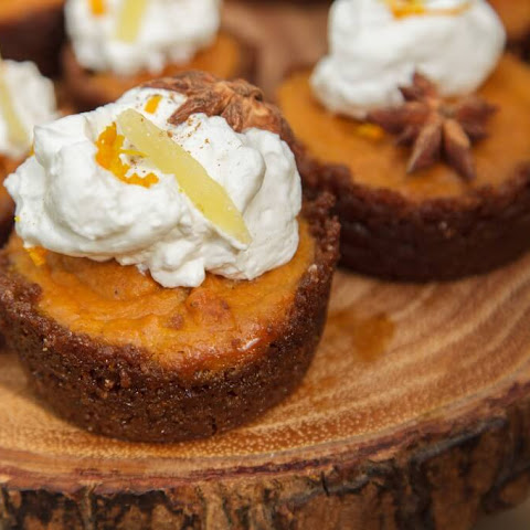 Mini Pumpkin Pies with Gingersnap Crust