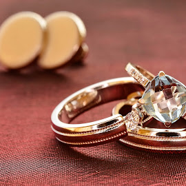 Wedding rings by Sorin Lazar - Artistic Objects Jewelry ( rings, jewels, close up, photography )