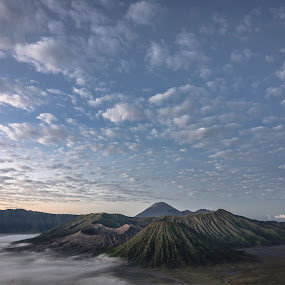 Go wide on Bromo  by Said Rizky - Landscapes Cloud Formations ( mountains, indonesia, cloud, sunrise, bromo )