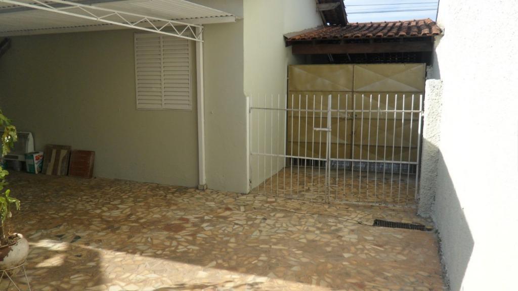 Casa / Sobrado à Venda - Cecap